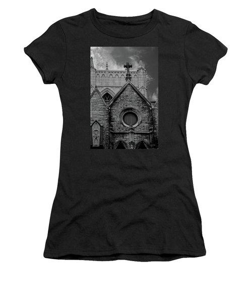 Memphis Cross In The Clouds Bw Women's T-Shirt
