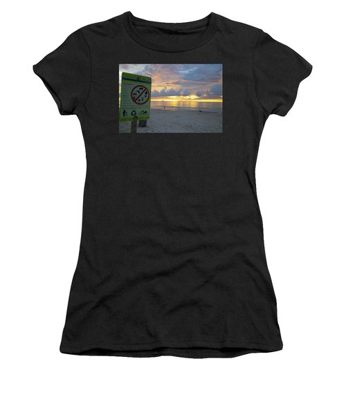 Miami Beach Sunrise Women's T-Shirt (Athletic Fit)