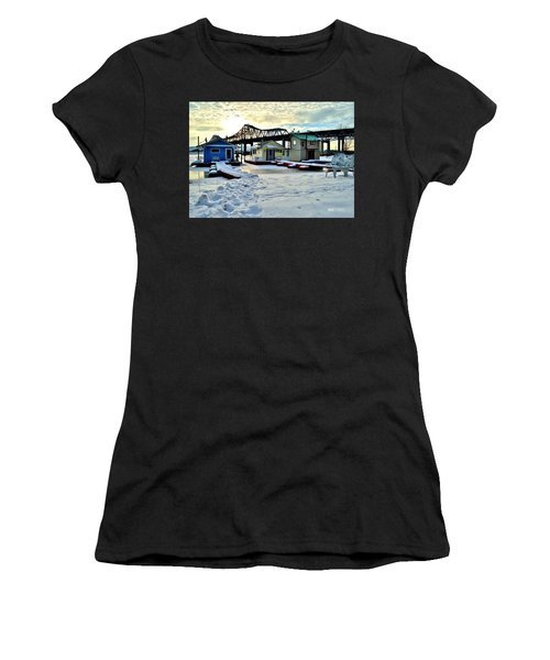 Mississippi River Boathouses Women's T-Shirt