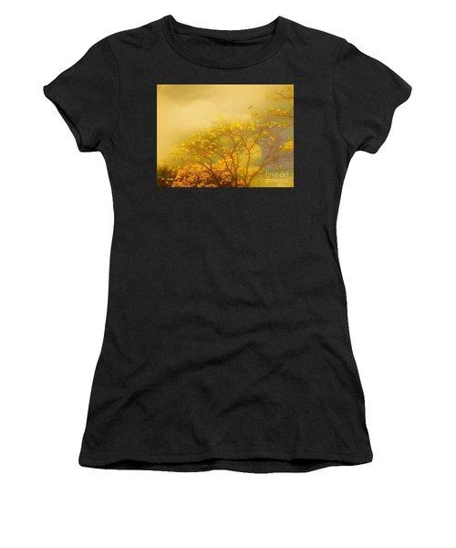 Misty Yellow Hue -poui Women's T-Shirt