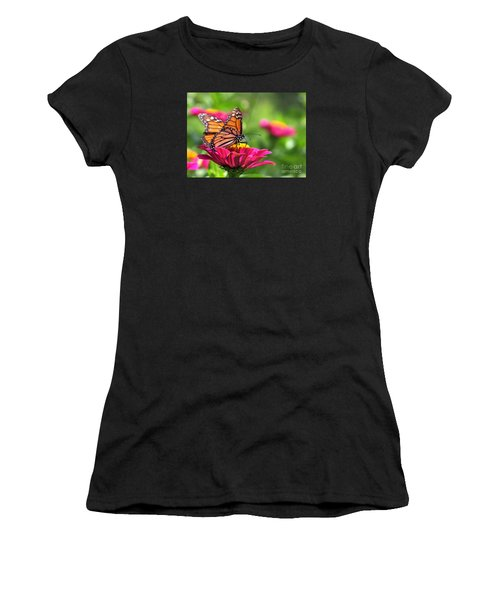 Monarch Visiting Zinnia Women's T-Shirt (Athletic Fit)