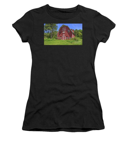 Montford Farm Red Barn Orford New Hampshire Women's T-Shirt