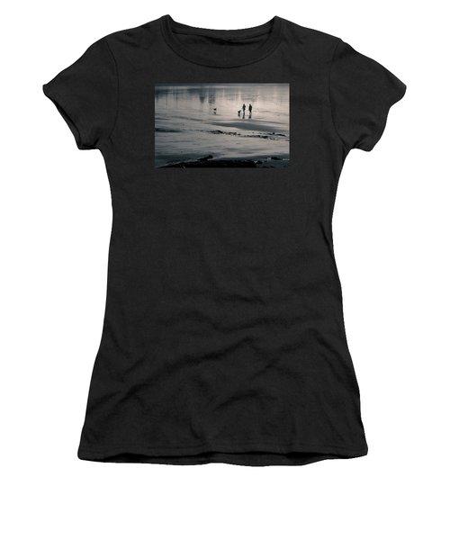 Morning Walk, Gooch's Beach, Kennebunk, Maine Women's T-Shirt