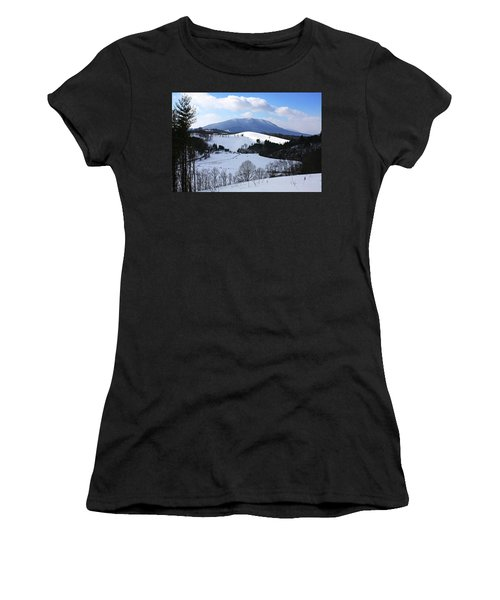 Mount Jefferson Winter Women's T-Shirt (Athletic Fit)