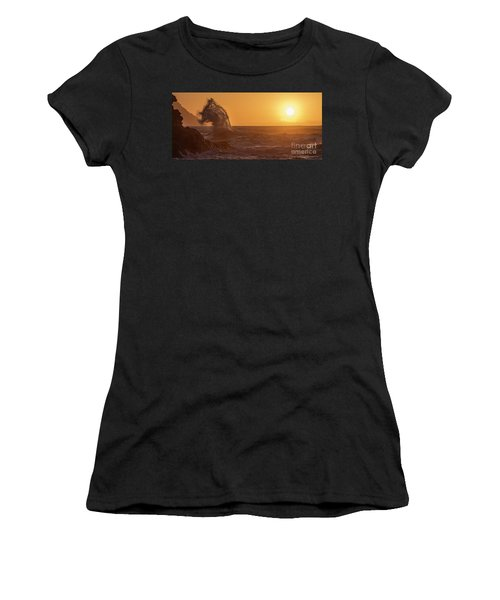 Napali Coast Kauai Hawaii Wave Explosion Iv Women's T-Shirt