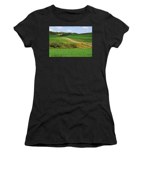 Near Horizons Women's T-Shirt (Athletic Fit)