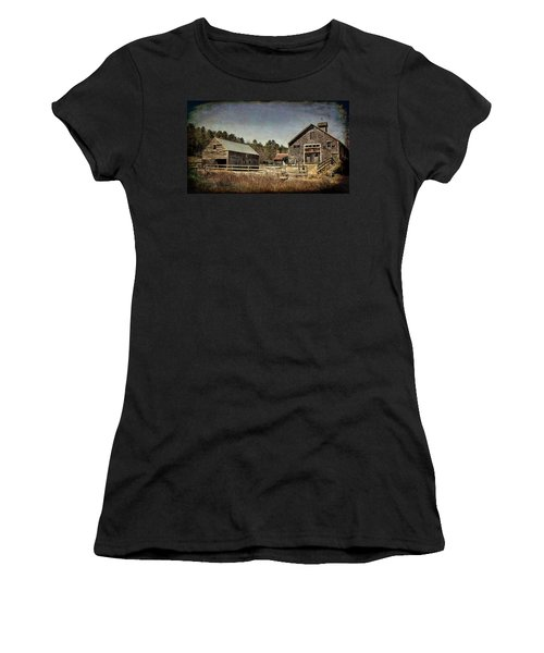 Women's T-Shirt (Athletic Fit) featuring the photograph New Hampshire Old Barn  by Betty Pauwels