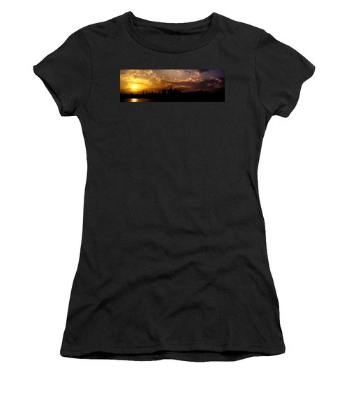 New York City Skyline At Sunset Panorama Women's T-Shirt (Athletic Fit)