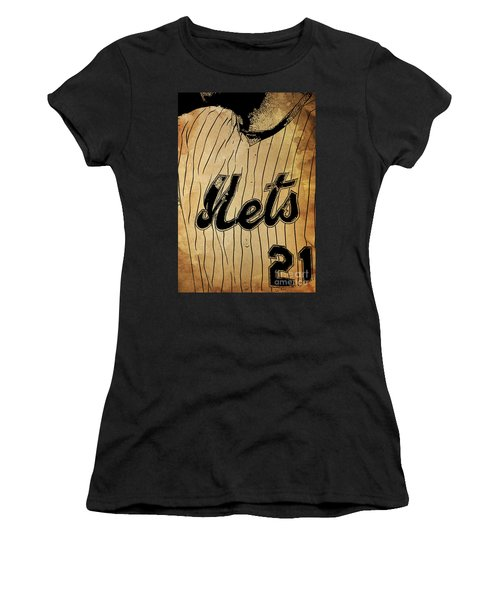 New York Mets 21 Red And Blue Vintage Cards On Brown Background Women s T- Shirt 3845ddb18