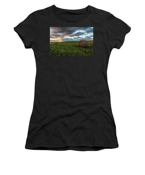 North Dakota Sunset With Hay Women's T-Shirt