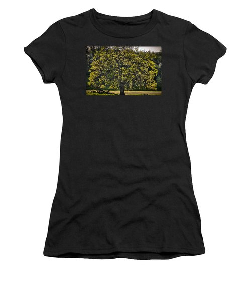 Oak Tree New Green Leaves Women's T-Shirt (Athletic Fit)