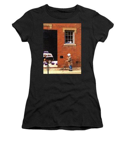 Observing Building Art Women's T-Shirt