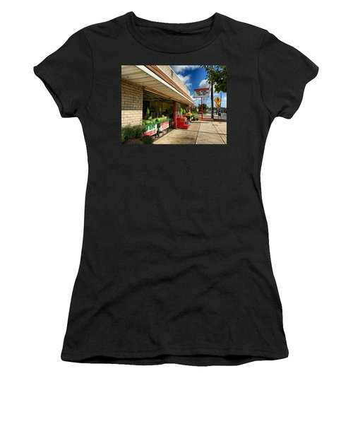 Off To The Market Women's T-Shirt