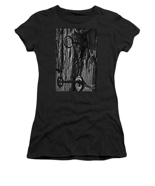 Old And Abandoned Wooden Door With Skeleton Keys Women's T-Shirt
