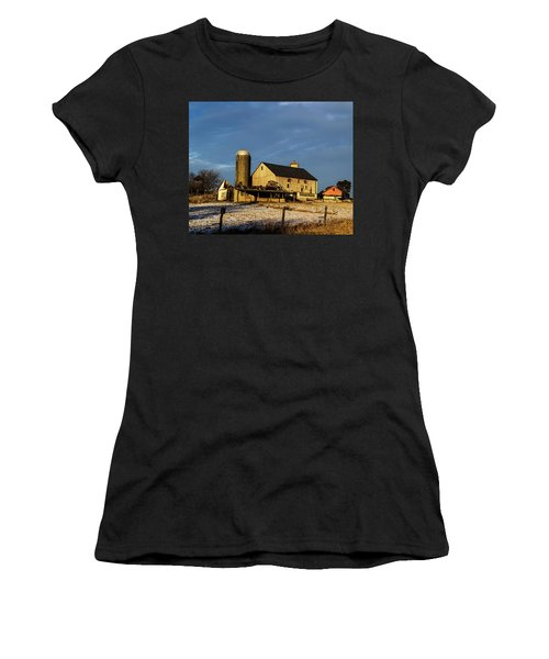 Old Barn 2 Women's T-Shirt