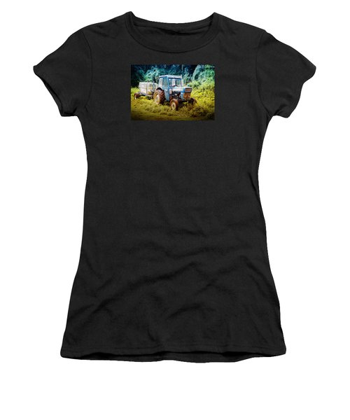 Old Blue Ford Tractor Women's T-Shirt