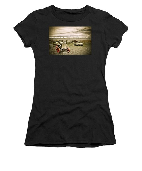 Old Case Tractor Women's T-Shirt