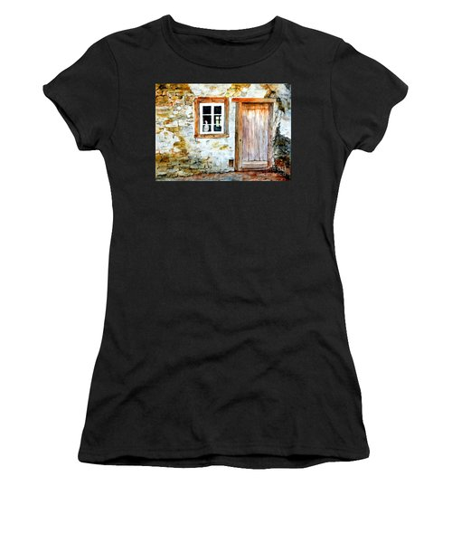 Old Farm House Women's T-Shirt