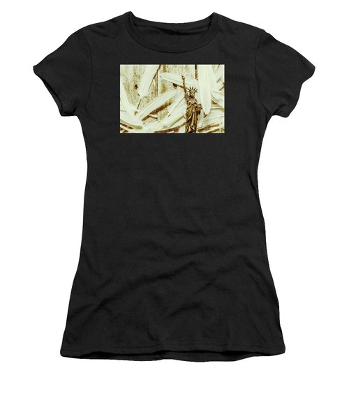 Old-fashioned Statue Of Liberty Monument Women's T-Shirt