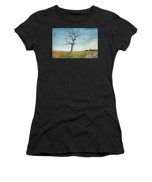 Old Tree  Women's T-Shirt