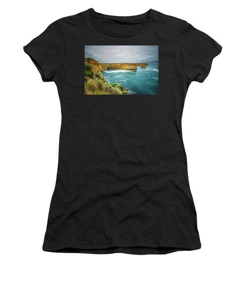oria, Australia, near Port CampbellLoch Ard Gorge  in Vict Women's T-Shirt