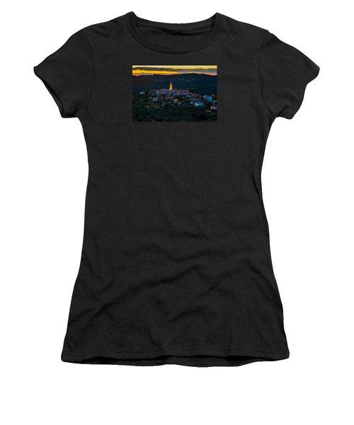 Padna Women's T-Shirt