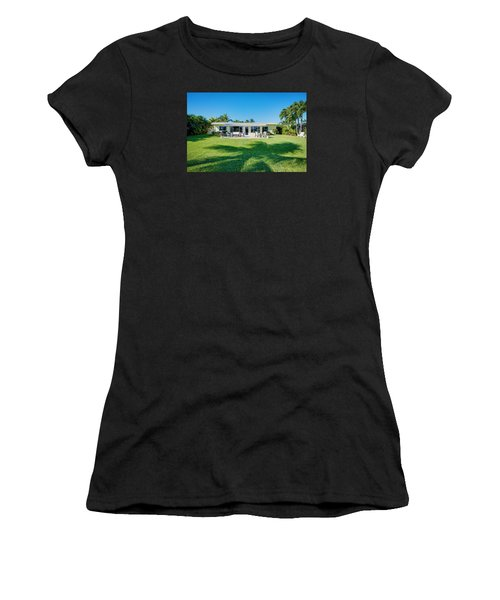 Palm Back Yard Women's T-Shirt (Athletic Fit)