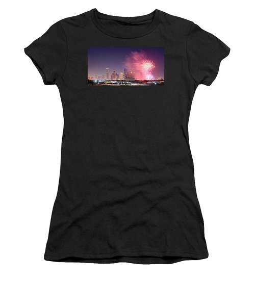 Panorama Of Downtown Houston Skyline Fireworks On The 4th Of July - Harris County Texas Women's T-Shirt
