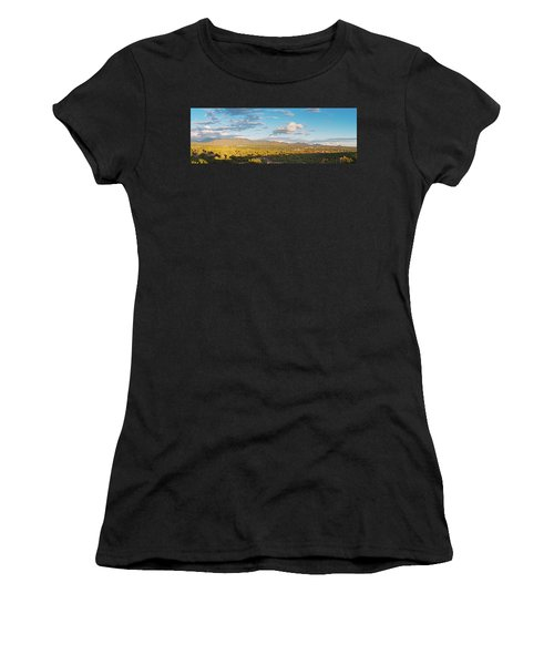 Panorama Of Santa Fe And Sangre De Cristo Mountains - New Mexico Land Of Enchantment Women's T-Shirt