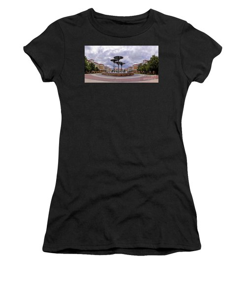 Panorama Of Texas Christian University Campus Commons And Frog Fountain - Fort Worth Texas Women's T-Shirt