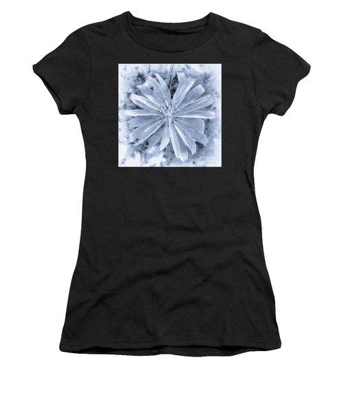 Pastel Purple Blue Daisy Bw Women's T-Shirt