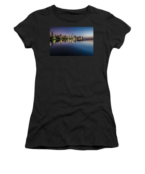 Peaceful Summer Dawn Scene On Chicago's Lakefront Women's T-Shirt