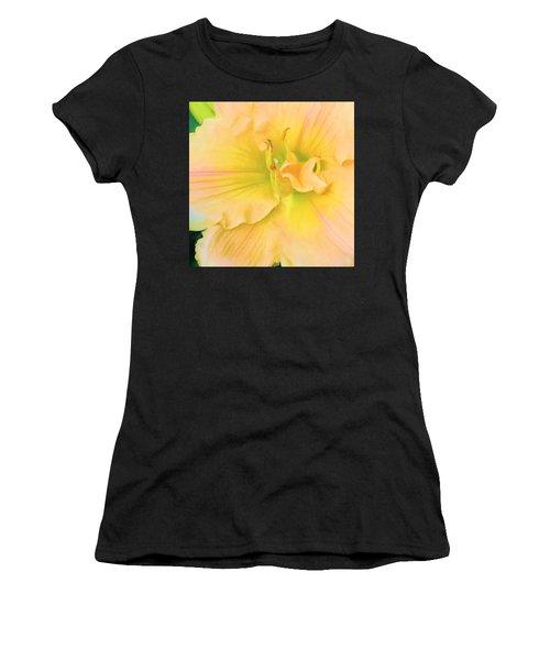 Peach Lily Women's T-Shirt