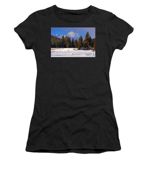 Peaking Through Women's T-Shirt