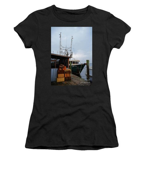 Pelicans Looking For Lunch Women's T-Shirt
