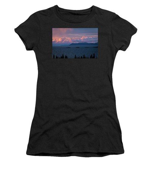 Pic Island Women's T-Shirt