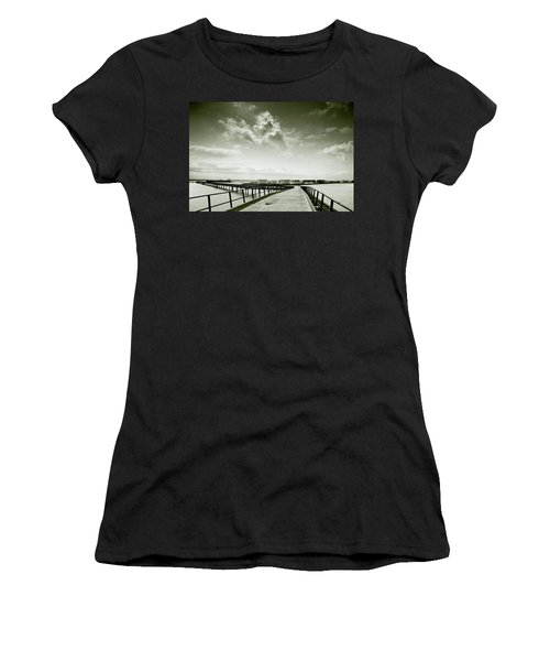 Pier-shaped Women's T-Shirt (Athletic Fit)