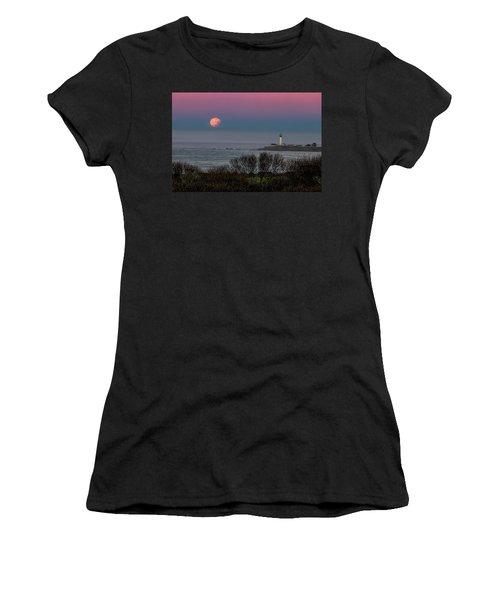 Pigeon Point Supermoon Women's T-Shirt
