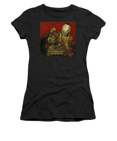 Pouring Tea Women's T-Shirt (Athletic Fit)