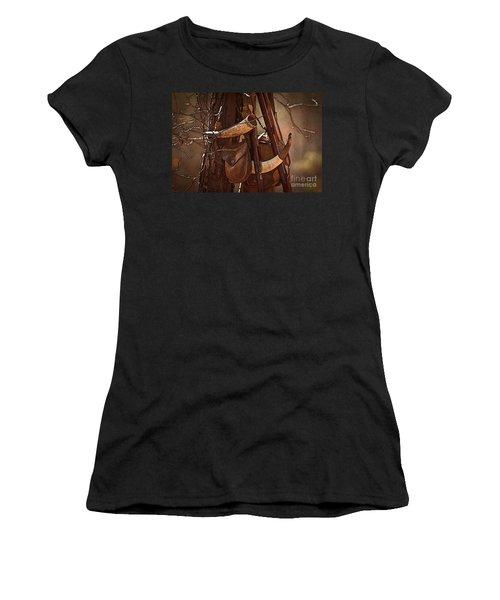 Primitive Arsenal Women's T-Shirt (Athletic Fit)
