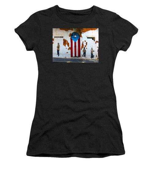 Puerto Rican Flag On Wooden Door Women's T-Shirt