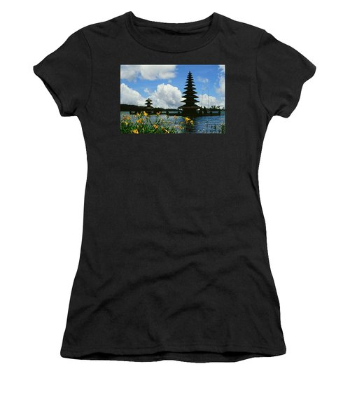 Puru Ulun Danau  Women's T-Shirt