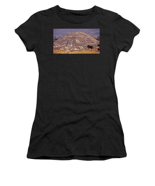 Pyramid Of The Sun - Teotihuacan Women's T-Shirt (Athletic Fit)