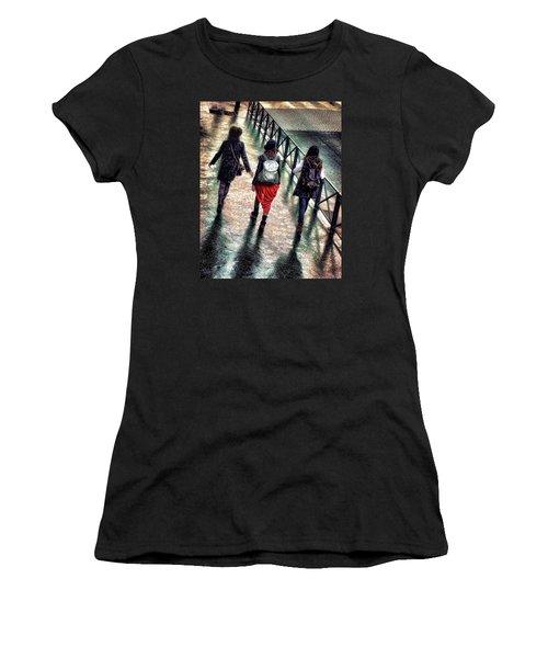 Quai Des Tuileries Women's T-Shirt (Athletic Fit)