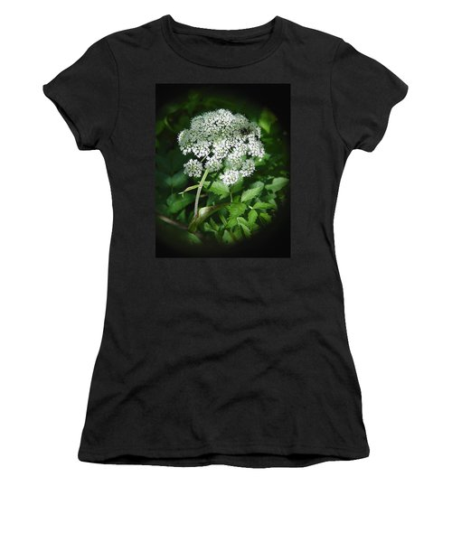 Queen Ann Lace Women's T-Shirt (Athletic Fit)
