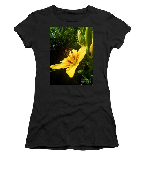 Rain Kissed Tiger Lily Women's T-Shirt