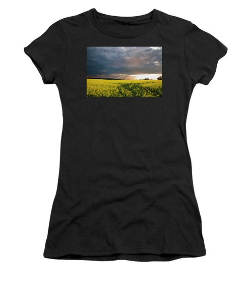 Rays At Sunset Women's T-Shirt