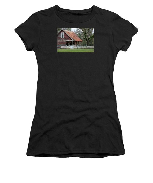 Red Barn With A Rin Roof Women's T-Shirt (Athletic Fit)