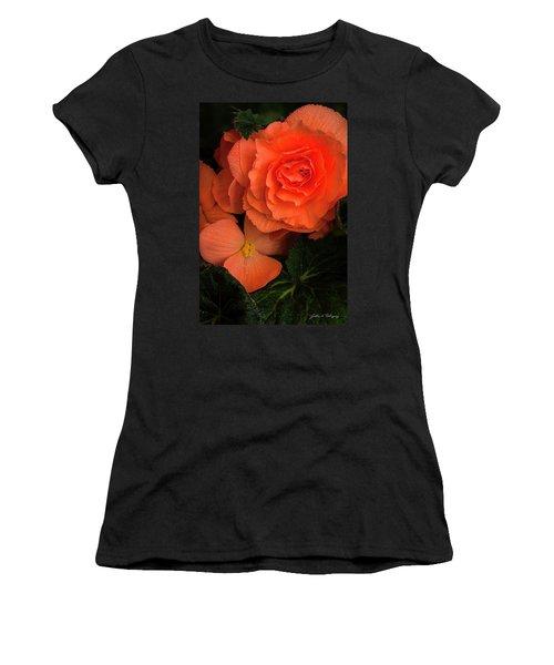 Red Giant Begonia Ruffle Form Women's T-Shirt