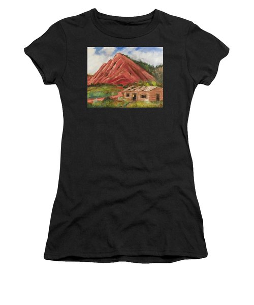 Red Hill And Cabin Women's T-Shirt (Athletic Fit)